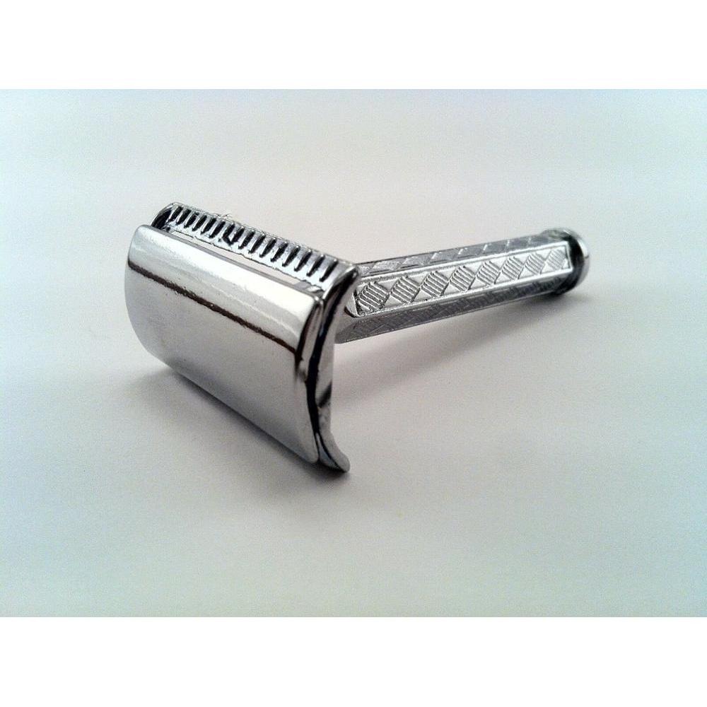 CLASSIC WET SHAVE SAFETY RAZOR With 5 Piece Gift Double Edge Blades ,Good ShAPE