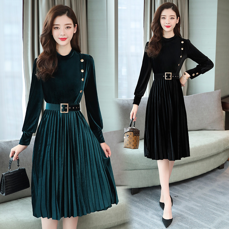 Autumn Winter Dress Women Vintage Long-sleeved Pleated Velvet Dress Ladies Elegant Slim A-Line Velvet Party Dress Female Belt