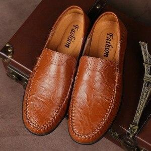 Image 4 - Zapatos casuales de cuero genuino para hombre 2019 mocasines transpirables zapatos de conducción negros talla grande 38 47 b1374
