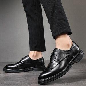 Image 5 - Zapatos planos de estilo británico para hombre, calzado Formal, informal, Oxford, para hombres de negocios, fiesta, vestido de boda