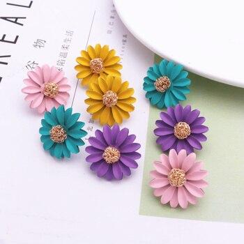 Korean Style Cute Small Daisy Flower Stud Earrings For Women New Fashion Sweet Earrings Brincos Wholesale Jewelry недорого