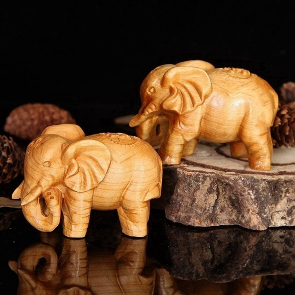Natural Thuja Wood Elephant Figurines Craft Carved Natural Wooden Mini Animals Antique Decoration