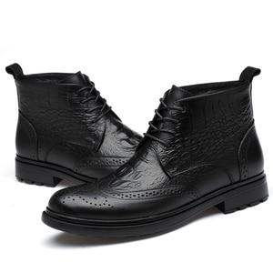 Image 5 - בתוספת גודל גברים יוקרה אופנה פרה עור מגפי תנין דפוס מבטא אירי נעלי מגולף בולוק קרסול אתחול חם כותנה חורף שלג botas sapatos hombre