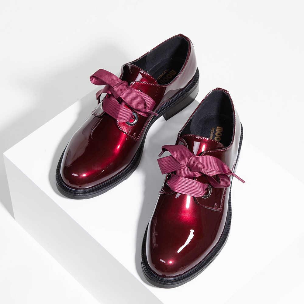 2019 Moda Primavera e Autunno Oxford appartamenti donna mocassini scarpe femme Nuovo Brevetto scarpe di Cuoio della donna casual Riband Scarpe Flat