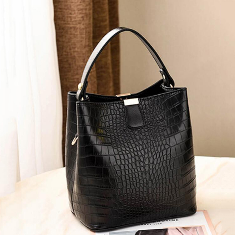 H05ab03f9044f4e4fa28900356f88b4d3q - Women's Handbag | Retro Alligator