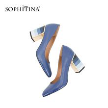 SOPHITINA pompy moda kolorowe kwadratowe obcasy kożuch wysokiej jakości czółenka z okrągłymi noskami starsza gorąca sprzedaż eleganckie buty damskie W10 tanie tanio Podstawowe Plac heel CN (pochodzenie) Prawdziwej skóry Super Wysokiej (8cm-up) Pasuje prawda na wymiar weź swój normalny rozmiar