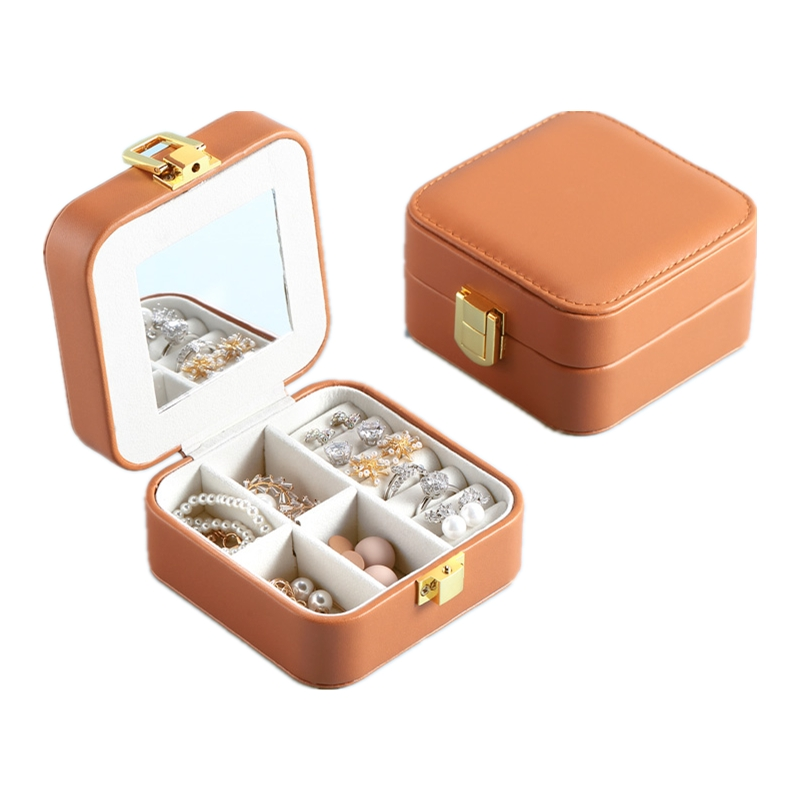 2020 New Leather Jewelry Storage Box For Girlfriends Fresh Portable Neclace and Ring Holder Festival Gift
