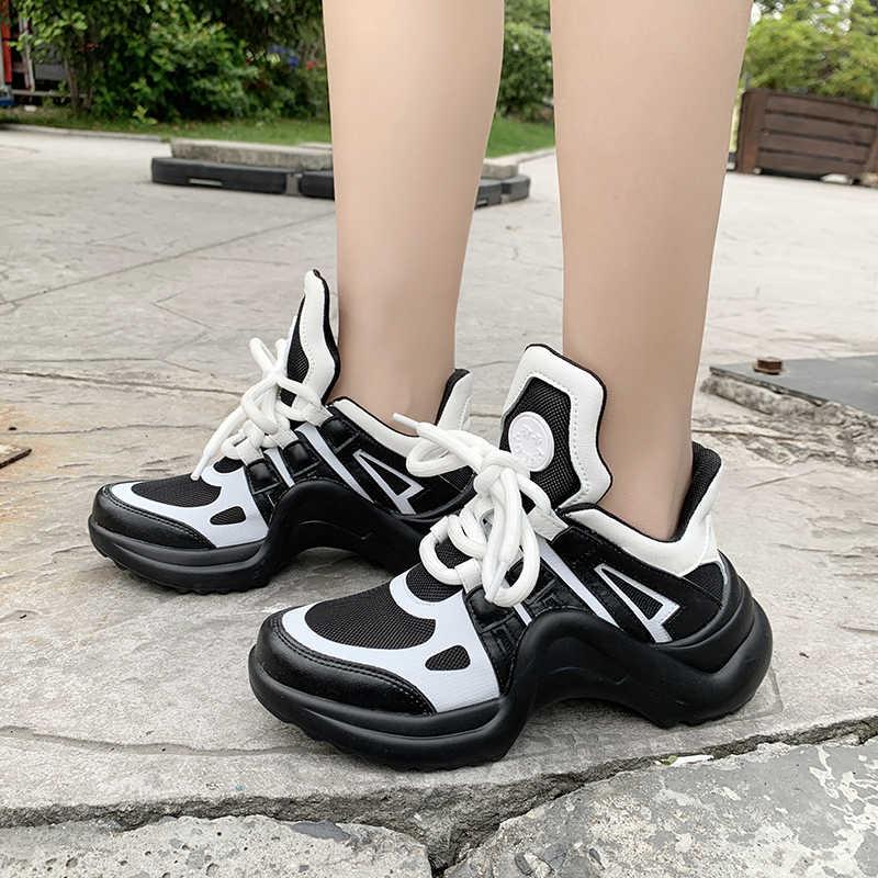 2020 여성 유행 Chunky 아빠 신발 뜨거운 스 니 커 즈 여자 레이스 업 플랫폼 구두 여성 새로운 색상 스 니 커 즈 Tenis Chaussures Femme