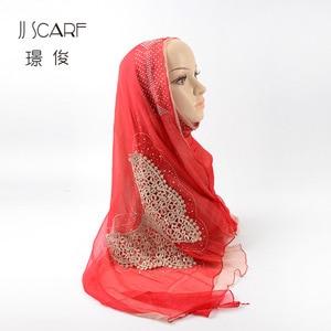 Big Butterfly Lady Hijab Scarf Brocade Silk Wrinkle Hot Rhinestone Lace Hijab Fashion Hijab Hot Sale Silk Scarf Long Bib Scarf