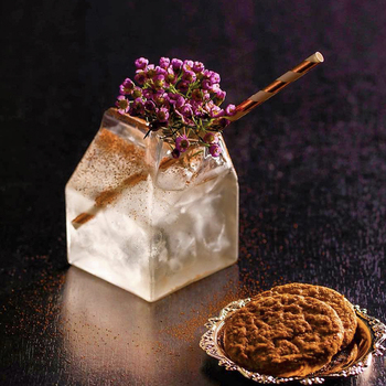 USA przyjaciele pół kufel Creamer molekularne koktajle szklane do baru Tipsy otwarte mleko karton Mix napoje wino słoik szklanki kubek Bicchiere tanie i dobre opinie loveyalty SQUARE Ce ue Lfgb Szkło Koktajl szkła Ekologiczne Zaopatrzony HN0923 -0923 Friends Half Pint Creamer Cup Nordic Style