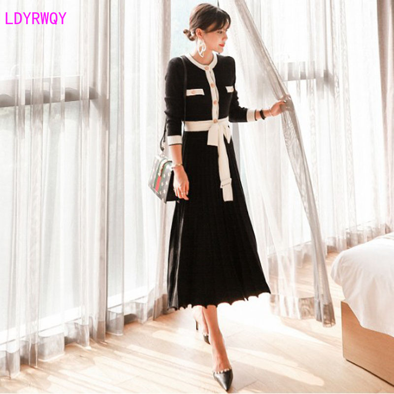 2019 Autumn And Winter New Women's Temperament Round Neck Stitching Contrast Color Single-breasted High Waist Slim Pleated Dress