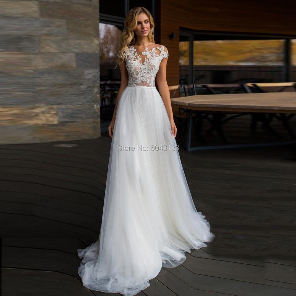 Boho Wedding Dresses Vintage Appliques Scoop  Neck Short Sleeves Tulle Bridal Gowns Buttons Back Floor Length Bride Dress 2020