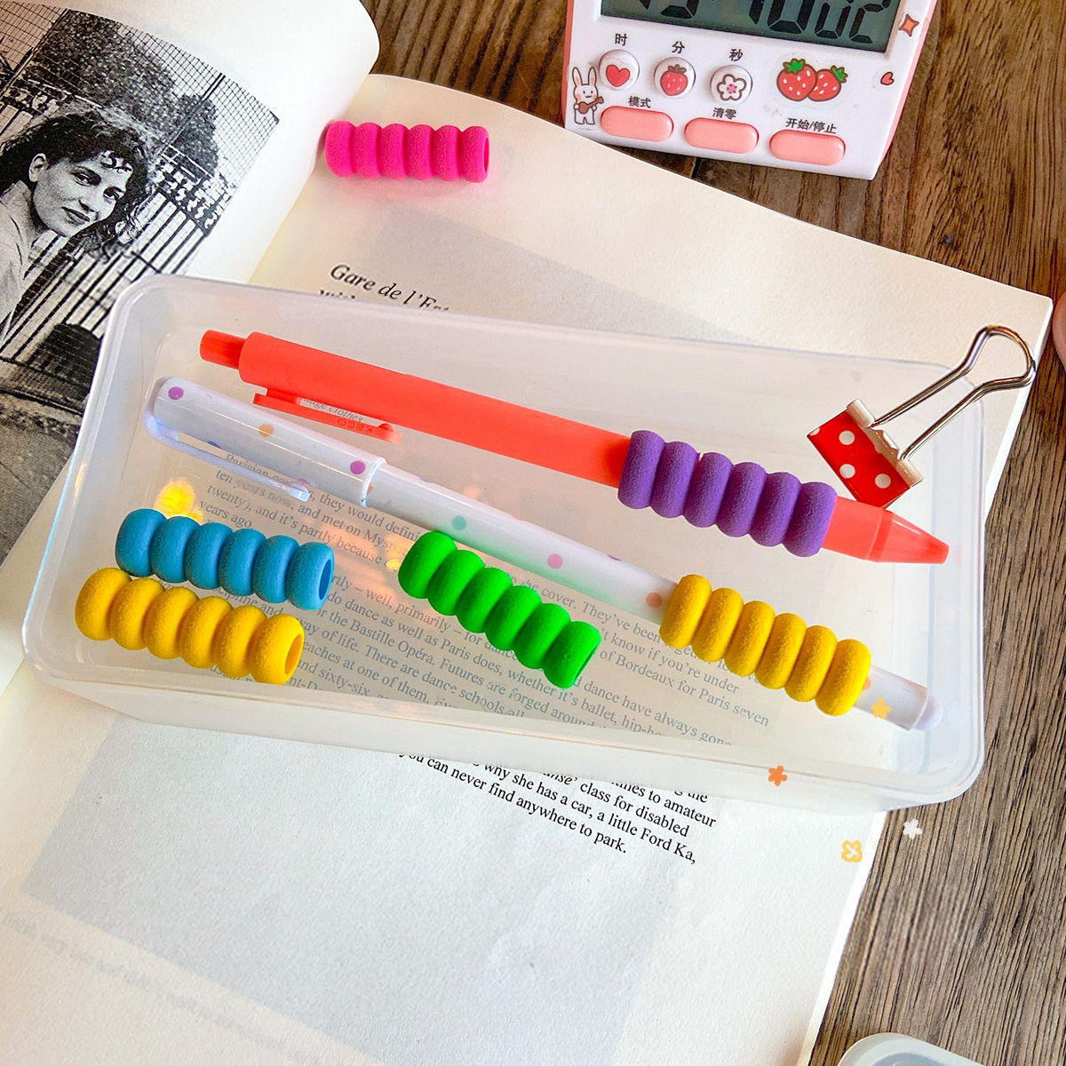 Kawaii color sponge finger protection pen holder ins cute finger protection sleeve girl heart prevention cocoon pencil case