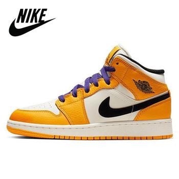 Outdoor Nike Air Jordan 1 Retro High og Chicago buty do koszykówki damskie buty do koszykówki Nike Air Jordan 1 Retro High OG tanie i dobre opinie WOMEN CN (pochodzenie) Średnie (b m) Wysokiej RUBBER Syntetyczny 575541-610 Lace-up Spring2017 Pasuje prawda na wymiar weź swój normalny rozmiar