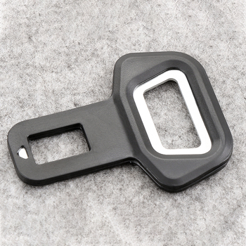 Clip Universal para cinturón de seguridad de coche, tapón de cinturón de seguridad, abridor de botellas de montaje para vehículo, accesorios interiores de automóvil, 1 ud.