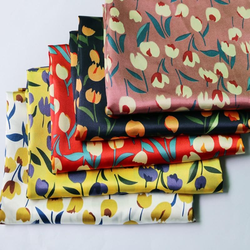 На метр мягкая элегантная цветочные атласная ткань печатный Шармез Материал для платья шарф