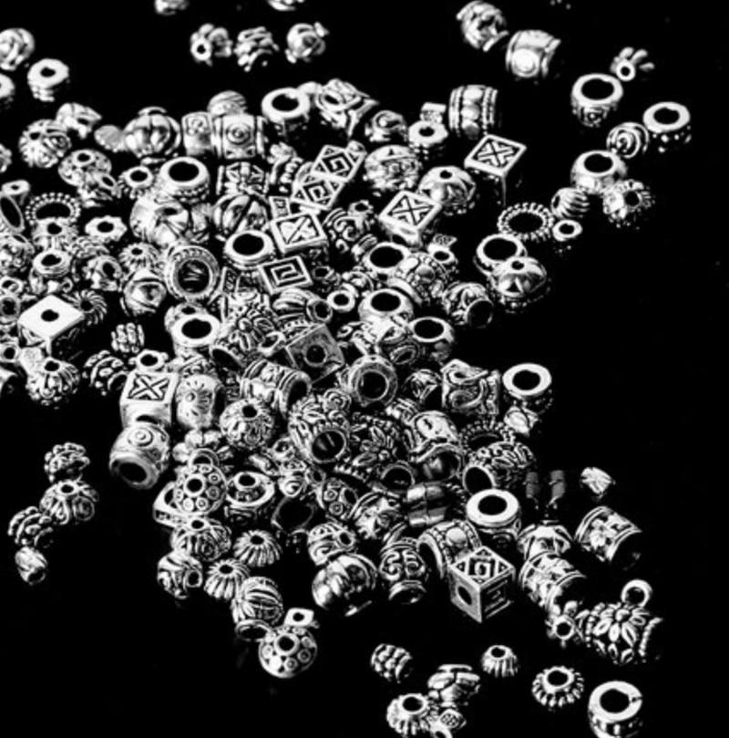 卸売混合約180個チベットシルバーアンティークルースビーズスペーサービーズコネクタdiyのジュエリーメイキング所見