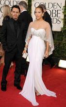 Женское длинное вечернее платье с юбкой годе элегантное белое