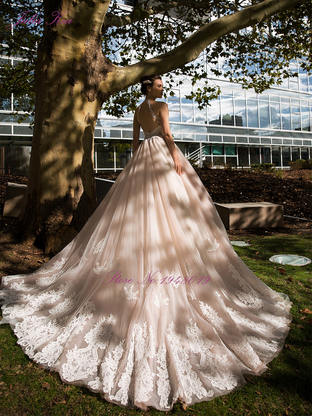 Julia Kui Vintage Ball Gown Wedding Dress 2020 Customized Sexy Halter Backless Court Train Princess Wedding Gowns - 5