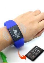 Transporte rápido 13.56mhz cuid regravável bonito à prova dwaterproof água inteligente pulseira cartão de controle acesso 6 cor design logotipo