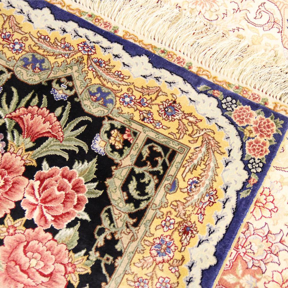 Rose Pattern Handmade Silk Area Rug