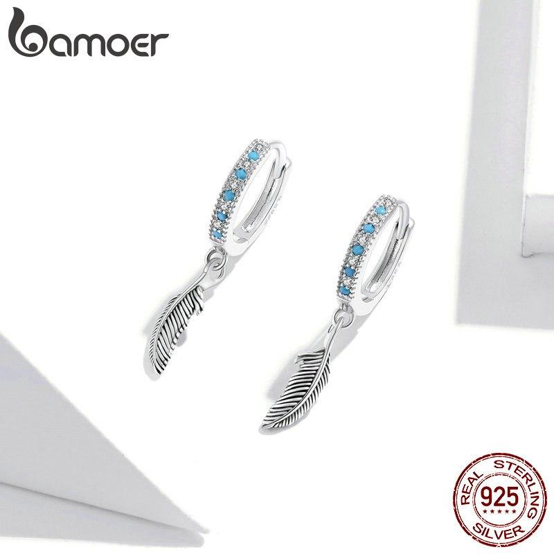 Runde Klapp-Creolen mit weiß-blauen Kristallen und Feder | 925 Ohrringe 925 Klappcreolen mit Anhänger Indianer 3
