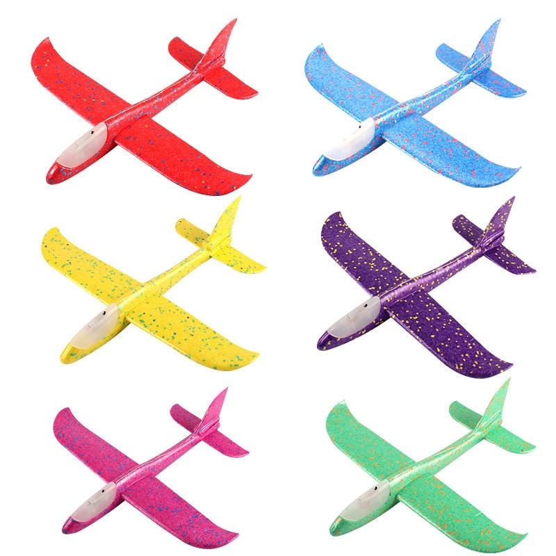 2020 nouveau Design enfants main jeter avion EPP mousse enfants jouets éducatifs Flash avion lumineux 2