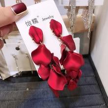 Trendy Flora Donne Ciondola Gli Orecchini Lunghi Esagerato Acrilico Rosso Petalo Orecchini Della Boemia Orecchini di Modo Per Le Donne Dichiarazione