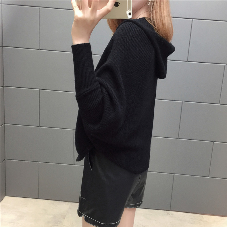 2019 Free send New style Korean loose and comfortable Autumn women Cardigan Sleeve of bat Hooded Sweater coat 144