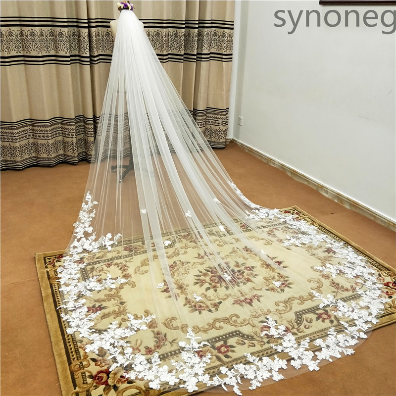 Closeout DealsÒReal Photo 3m One Layer Wedding Veil With Comb White Lace Edge Bridal Veils Ivory Appliqued Cathedral Wedding Veil