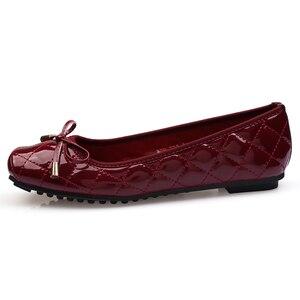 Image 3 - Yeni varış Patent deri düz kadın bale daireler ayakkabı kadın artı boyutu 41 siyah kare ayak papyon konfor ayakkabı siyah bayan için