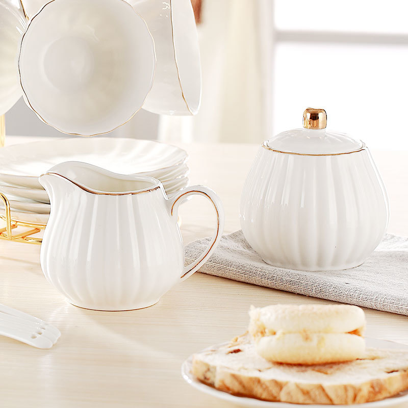 Classic European Style White Porcelain Sugar Bowl And Creamer Pots Set Milk Jug Cafe Coffeeware Kits Candy Jars Spice Container