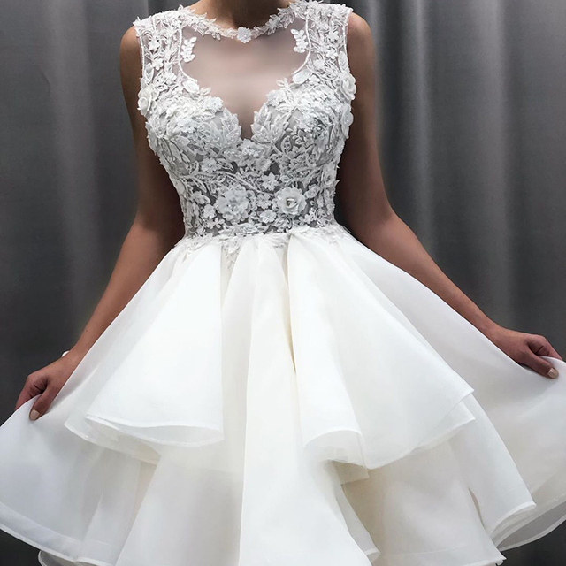 2021 New Lovely Short Lace Sleeveless Bridal Wedding Dresses Knee Length Illusion O Neck Wedding Gowns for Bride Cut Out Back 6