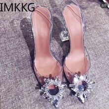 Прозрачные туфли-лодочки из ПВХ с кристаллами; Новинка года; летние туфли с острым носком на нечетном каблуке; женская обувь на шпильке с украшением от солнца; обувь с Героями сказок; F90223