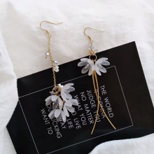 Ladies fashion eternal flower petal earrings asymmetric white tassel pendant Brincos ladies charm jewelry FXM