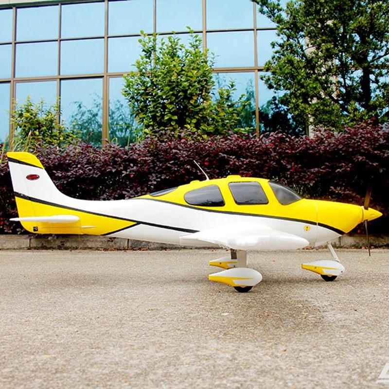 Радиоуправляемая модель самолета Dynam 1400mm размах крыльев SR-22 PNP 8936