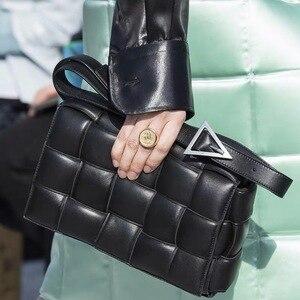 Тканые кошельки и сумки из натуральной воловьей кожи, сумки на плечо для женщин 2020, роскошные сумки, женские сумки, дизайнерская сумка-клатч
