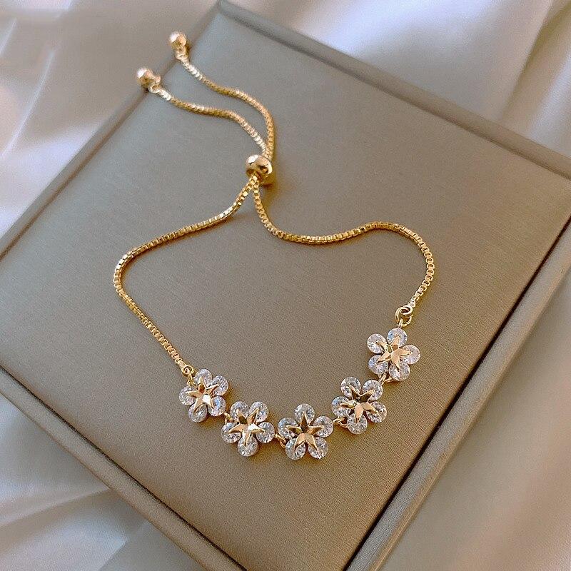 2021 Korean New Luxury Crystal Flower Cubic Zirconia Pendant Bracelet Women Round Butterfly Shiny Rhinestone Bangle Jewelry