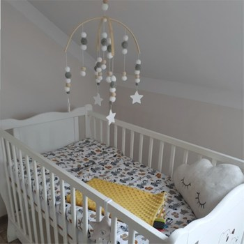 INS Nordic Wooden Beads Wind Chimes with Wool Balls Newborn Baby Bed Hanging Windbell Crib Tent Kids Room Decorations Ornaments