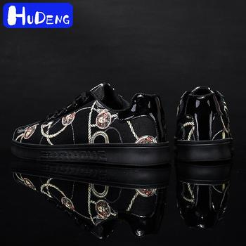 spring autumn 2020 new men shoes Medusa printed patent leather low-top board shoes black shoes Students Fashion boy shoes man 12