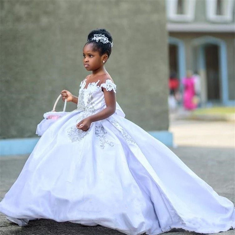 White Custom Flower Girl Dresses with Cap Sleeves Lace Beaded Satin Little Communion Pageant Dresses Gowns