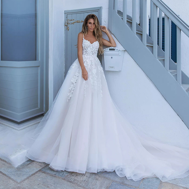 Elegant A-line White 3D flower Wedding Dresses with Appliques Spaghetti Strap Bridal Gowns Boho vestido de casamento 1