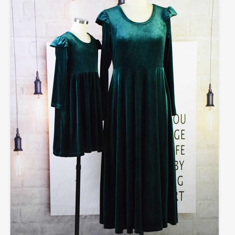 Ragazze e la Madre Dell'annata Genitore-bambino Vestito di Autunno 2019 Femminile Manica Lunga O-Collo di Velluto Verde Abiti Femme Partito Abiti