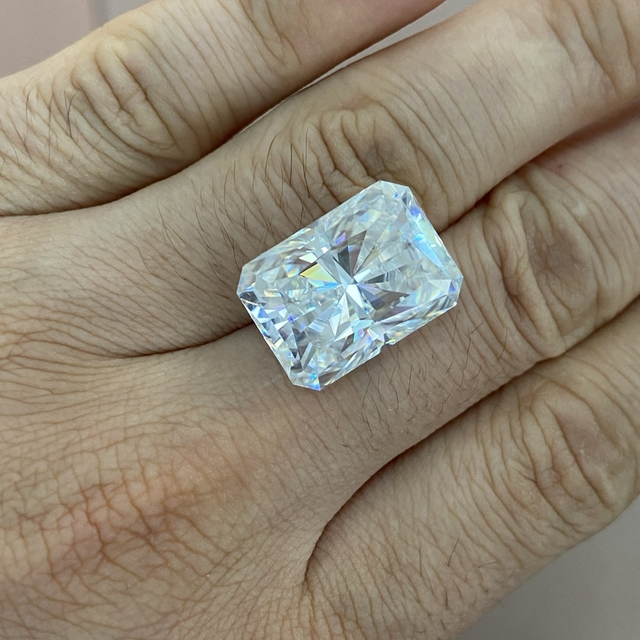 Moisangna Synthetic Lab Grown Created Radiant Cut 8x12mm D VVS 5 Carat Moissanite Gemstone for Engagement Ring 5