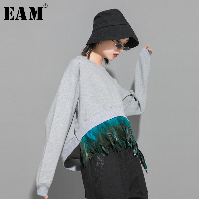 [EAM] Loose Fit Gray Feather Split Joint Sweatshirt New Round Neck Long Sleeve Women Big Size Fashion Tide Spring 2020 1R417