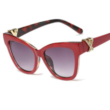 1121 new European and American wind fashion sunglasses ladies trend-encrusted cat-eye exclusive