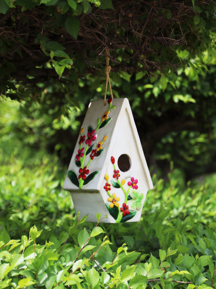 Cute Resin Decorative Nest Bird House Hang Statue Indoor/Outdoor Garden On-Tree Sculpture For Home Store Garden Decor Ornament Pakistan