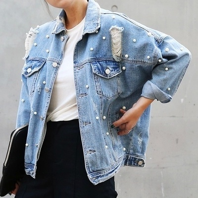 2019 New Loose Pin Hole Bead Pearl Jeans Studded Hole Clothes Out Ripped Fashion Trends Elegant Coat Women Denim Jacket