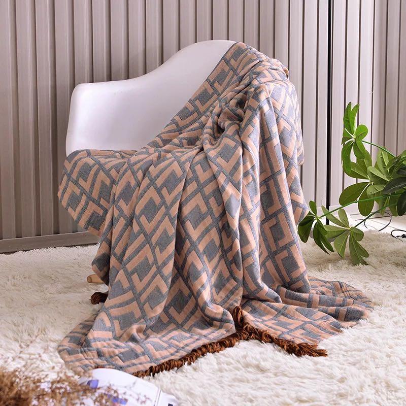 800g Thickening Letter Blanket Crochet Soft Wool Scarf Shawl Portable Warm Plaid H Sofa Bed Fleece Knitting Blanket 130x180cm-1
