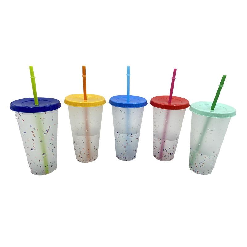 Novo 700ml temperatura mudança de cor copos mágicos confetes reutilizáveis plástico com tampa e palha copo para bebidas frias acessórios do copo